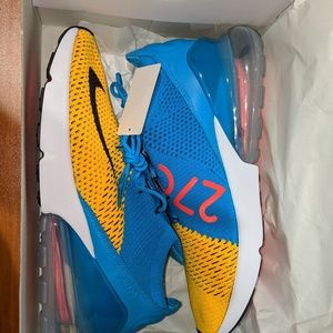 Nike Air Max 270 FLYKNIT Size 10